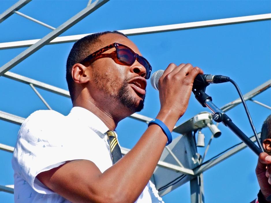 E of Myron of Myron & E at The Beach Ball Festival 9/21/13 [@methodman13]