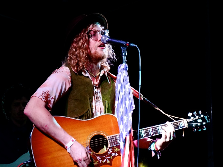 Allen Stone performing at The Beach Ball Festival 9/21/13 [ig: @methodman13]