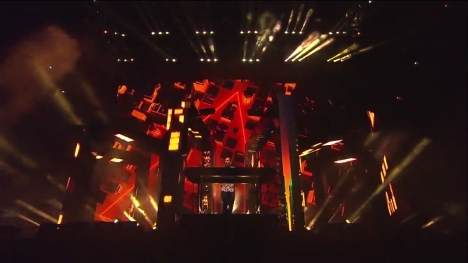 Kaskade   Coachella  4/12/15   iPhone5 Screen Shot of Weekend 1 Live Stream Un-Leashed by T-Mobile