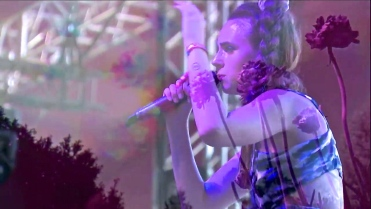 MØ | Coachella | 4/12/15 | iPhone5 Screen Shot of Weekend 1 Live Stream Un-Leashed by T-Mobile